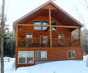 Convenient to Sunday River, clean and equipped with everything for a perfect vacation!!