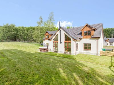 Photo for 4 bedroom property in Aviemore. Pet friendly.