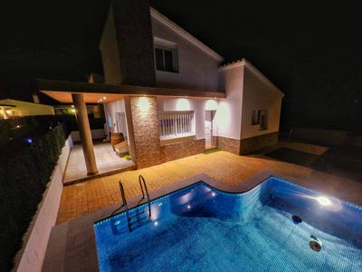 Photo for Villa with private pool for 8 people