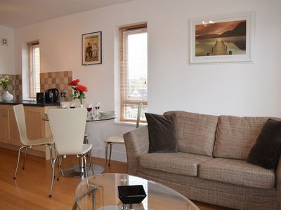 Photo for Lovely 1 bed garden flat 15 mins to Oxford Str