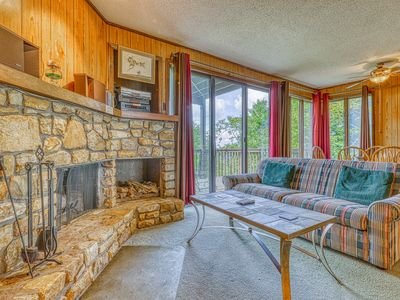 Photo for Sugar Mountain villa w/mountain & valley views, wood fireplace & close to trails