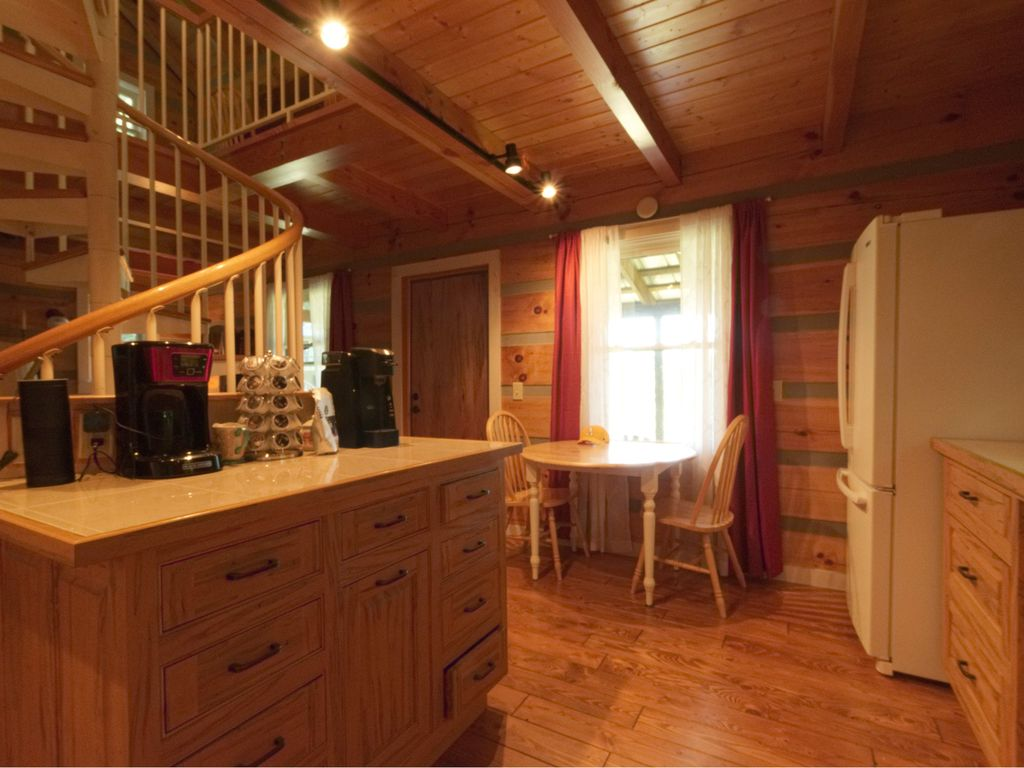 Charming And Quaint Perfect For Exploring The Blue Ridge Pkwy And Merlefest