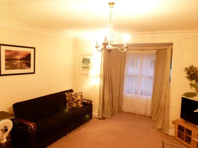 Photo for Modern 1 bed apartment close to Hyde Park. Sleep 4
