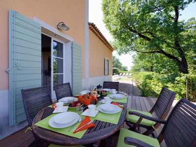 Photo for Stylish well appointed bastide in quiet corner of St Remy de Provence