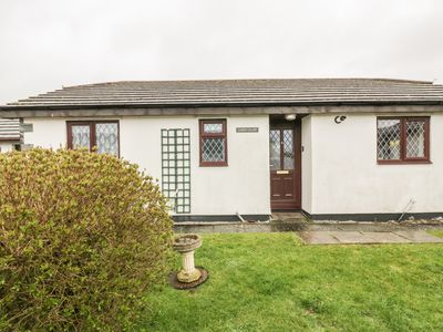 Photo for CHIFFCHAFF, pet friendly, with a garden in Padstow, Ref 1006428