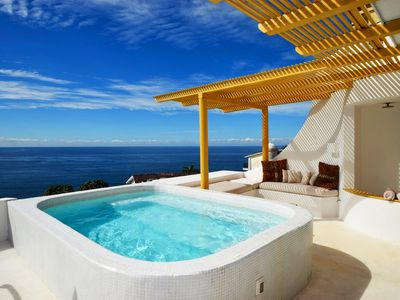 Photo for Spacious Stunning Ocean View in Conchas Chinas