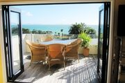 Boutique Bach with Sea Views
