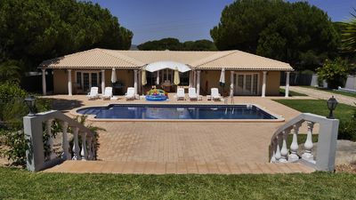 Photo for Villa with pool * Children VERY welcome * Algarve / Portugal for 10 persons