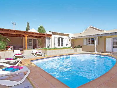 Photo for 3 bedroom villa, walking distance to town & harbour, free Wi-Fi & A/C