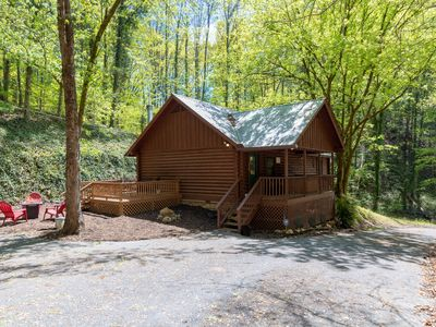 Private lane! True Log Cabin.  Peaceful setting.  Easy access to everything!