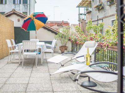 Photo for Large and bright apartment with 3 bedrooms with a spacious terrace, canal view