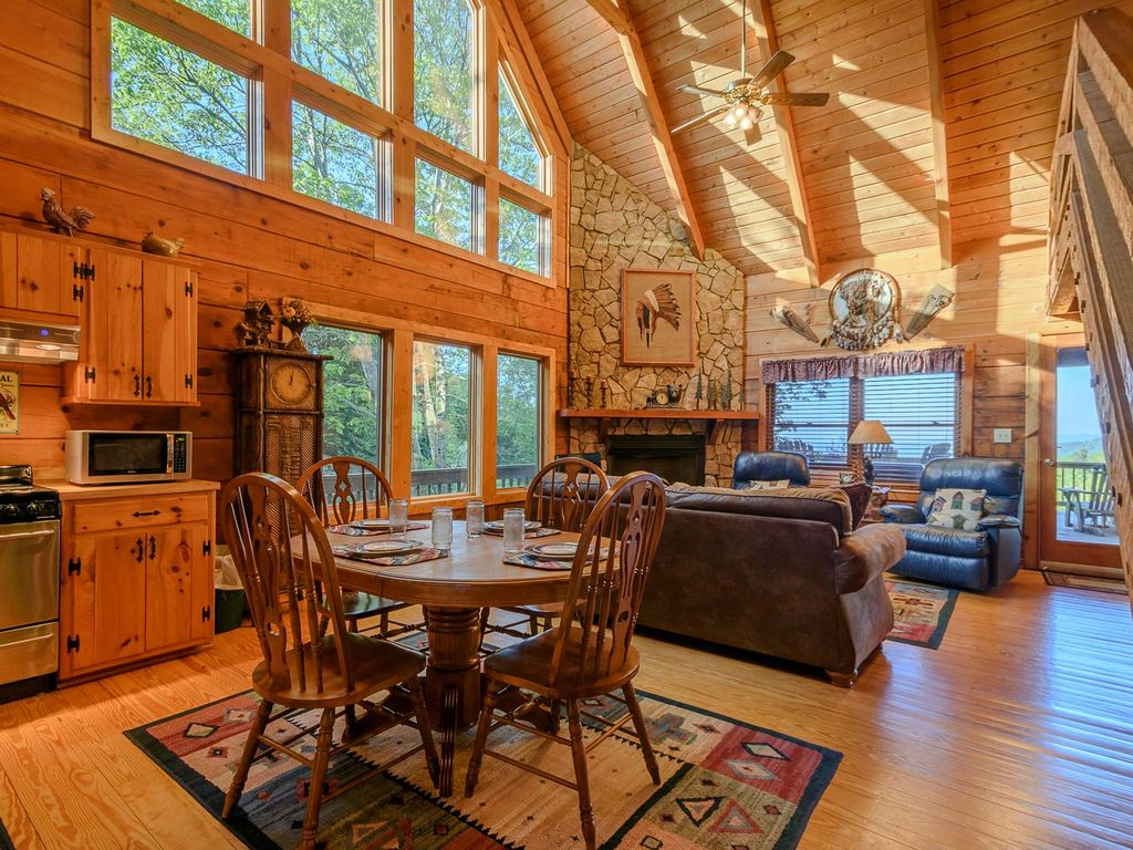 rental vacation master happinest bedroom cabin nc blowing fleetwood cabins stay rentals rock blue ridge