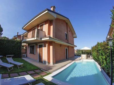 Photo for Beautiful private villa with private pool, WIFI, A/C, TV, terrace, panoramic view and parking