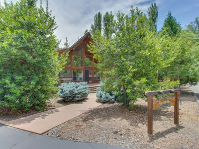 Photo for Centrally located cabin w/ lake access & shared pool, near Yosemite