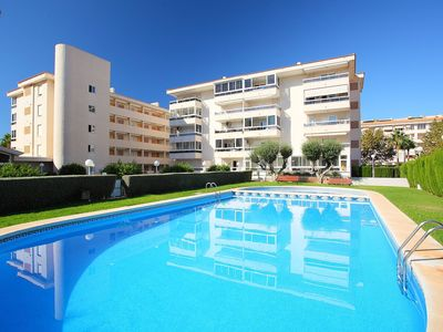 Photo for Beautiful apartment with pool, WIFI, TV, washing machine and parking