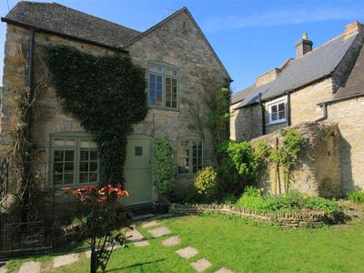 Photo for OLD FORGE COTTAGE, pet friendly in Stow-On-The-Wold, Ref 988635