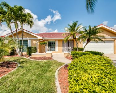 Photo for Beautiful Rental Vacation Home Located In Desirable Se Cape Coral