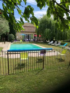 Photo for Provencal farmhouse in the countryside, private pool and heated from the first of May.