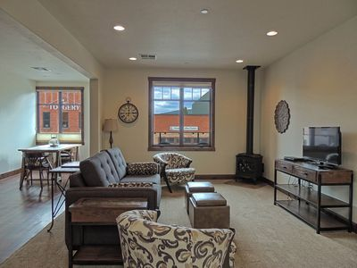 LIVING AREA WITH PULL-OUT SLEEPER SOFA, GAS FIREPLACE
