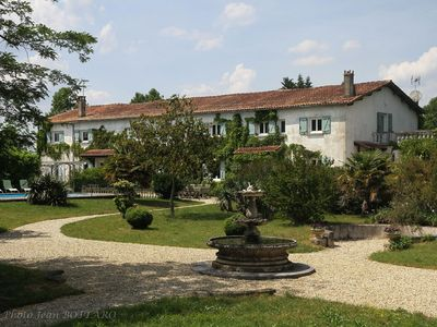 Photo for Self catering Domaine du Couhourg Avensan