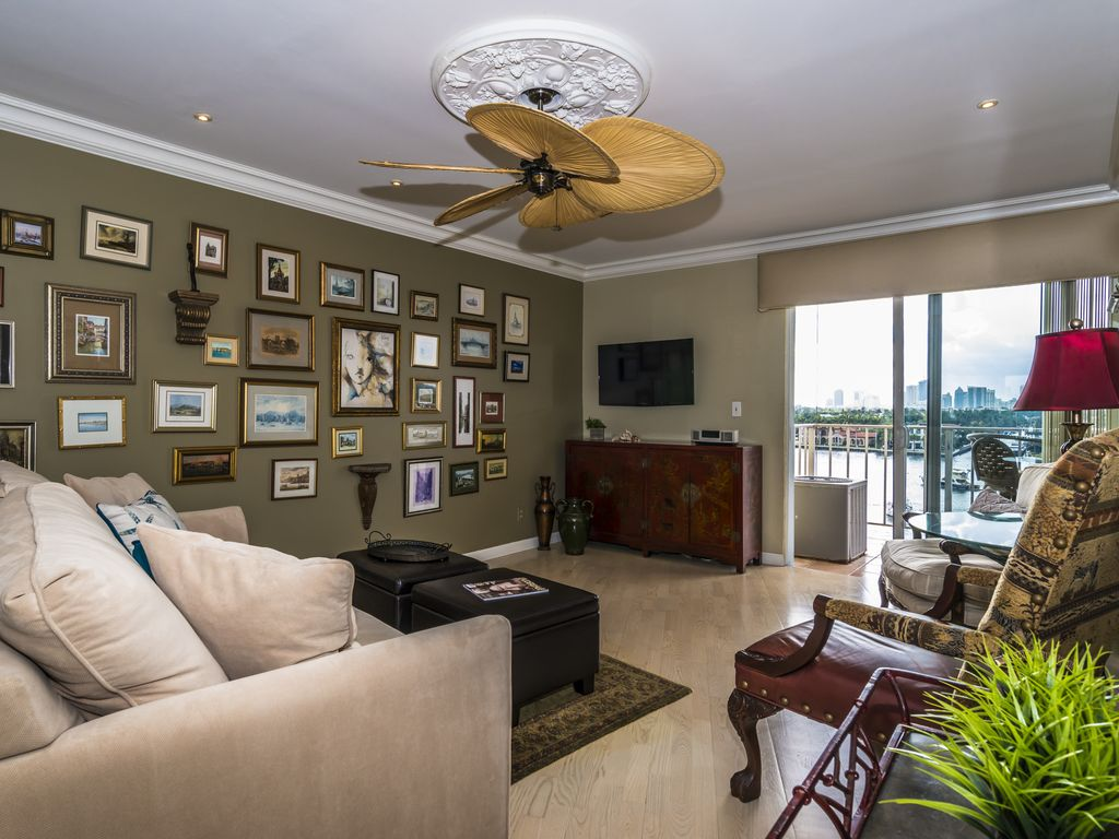 Beautiful Ft Lauderdale Beach Condo Stunning Intracoastal Downtown Views Fort Lauderdale