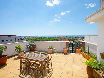 Photo for Calafell Apartment, Sleeps 6 with Pool and Air Con