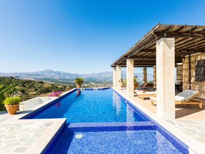 Photo for Villa Jacopo! Superb views, 45m2 private pool, close to shops and restaurants!