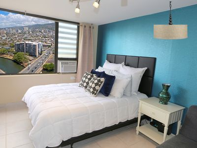 Photo for Spacious King bed Studio Condo on the 30th Floor in Waikiki -- Awesome View!