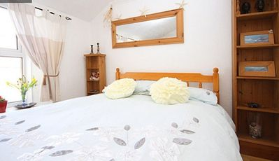 Photo for Fishermans Cottage 2 minutes Newquay Harbour& Town, Fistral Beach 5 mins walk