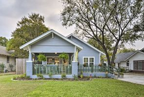 Photo for 2BR Cottage Vacation Rental in Waco, Texas