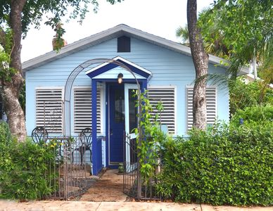 Photo for Cottage in Downtown Lake Worth a walk away from the ocean.