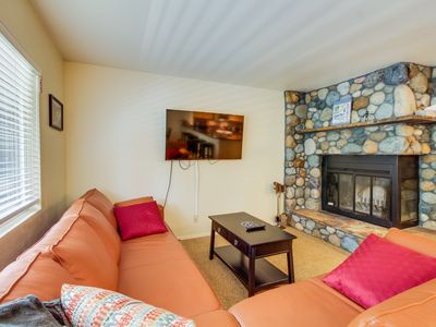 Photo for Mountain-side condo, with views and easy trail access to skiing!