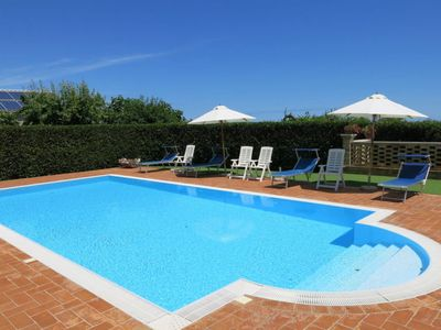 Photo for 4 bedroom Villa, sleeps 12 with Pool and FREE WiFi