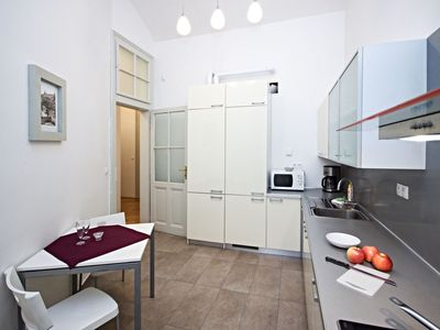Photo for Lovely apartment for seven people with WIFI, TV, pets allowed and parking