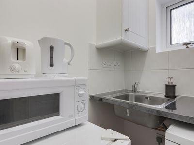 Photo for Modern 2 Bedrooms Apartment in Central London - Next to Tube Station