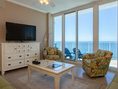 Photo for Beachfront corner penthouse w/ amazing view, balcony & shared pools/hot tubs!
