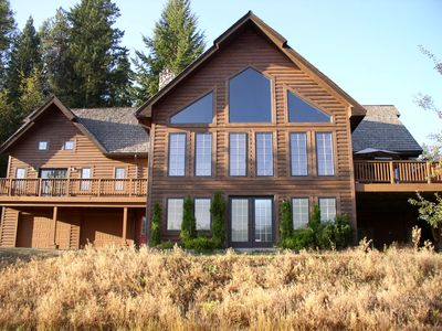 ROSE LAKE LODGE 4,830 SQ. FT WATERFRONT: PRIVATE SANDY BEACH HOT TUB CENTRAL A/C