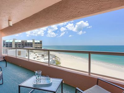 Beachfront with Fitness Center, Pool, Hot Tub, BBQ, W/D, Free Wi-Fi & Cable-12B Crescent Beach Club
