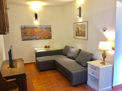 Photo for Tuscan style townhouse free parking