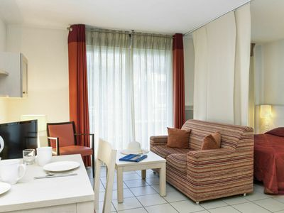 Photo for Nice apartment for 2 guests with hot tub, A/C, WIFI, pool, TV, balcony, pets allowed and parking