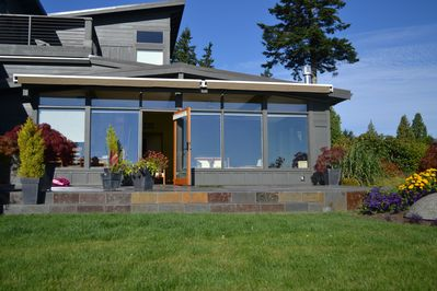 Slate Deck with views from Mt. Baker to Century Link Stadium. Seattle View!!