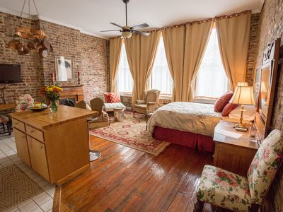 Photo for Romantic Luxury, Beautifully Furnished In The Arts District