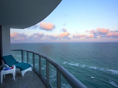 OCEANFRONT SUITE IN THE BEACH + COMPETITIVE RATES +  FULL AMENITIES ACCESS