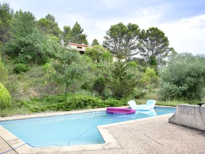 Photo for Villa with private pool in the middle of the garrigue