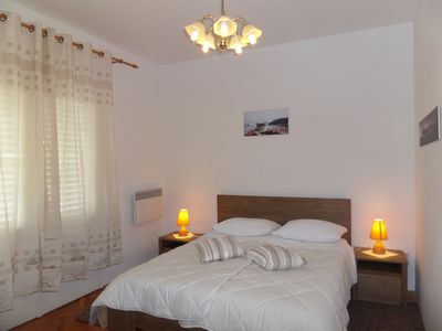 Photo for A warm apartment with spacious rooms and tall ceilings.