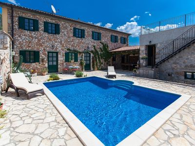 Photo for Holiday house Villa Oliva with swimming pool and sauna for 12-14 person