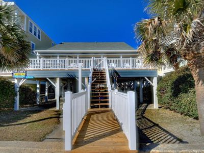 The Good Life, Beautiful Oceanfront Home in Cherry Grove