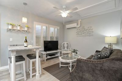 Welcome to the newest, coziest & most beautiful little getaway in Clearwater Bch