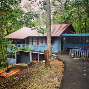 Photo for APPLE VALLEY LODGE Family Cabin near Pigeon Forge/Gatlinburg *APRIL/MAY SPECIALS