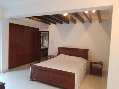 Photo for Affordable Luxurious Queen Bed@ Gulshan 2